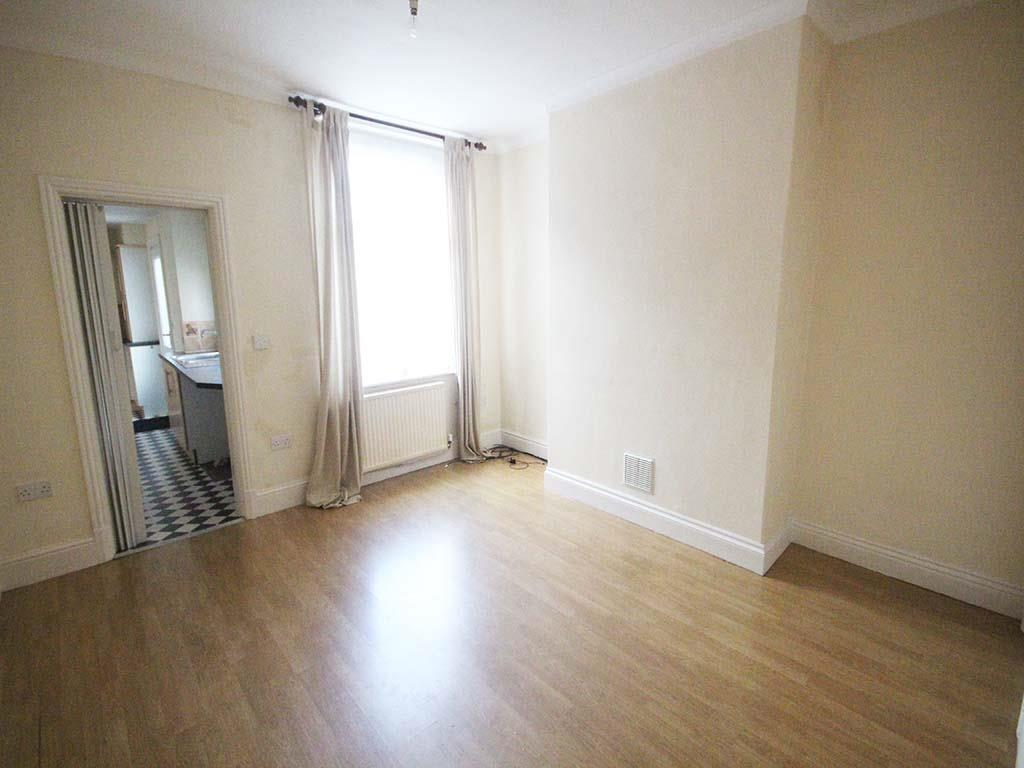 2 bedroom mid terrace house For Sale in Barnoldswick - IMG_7381.jpg